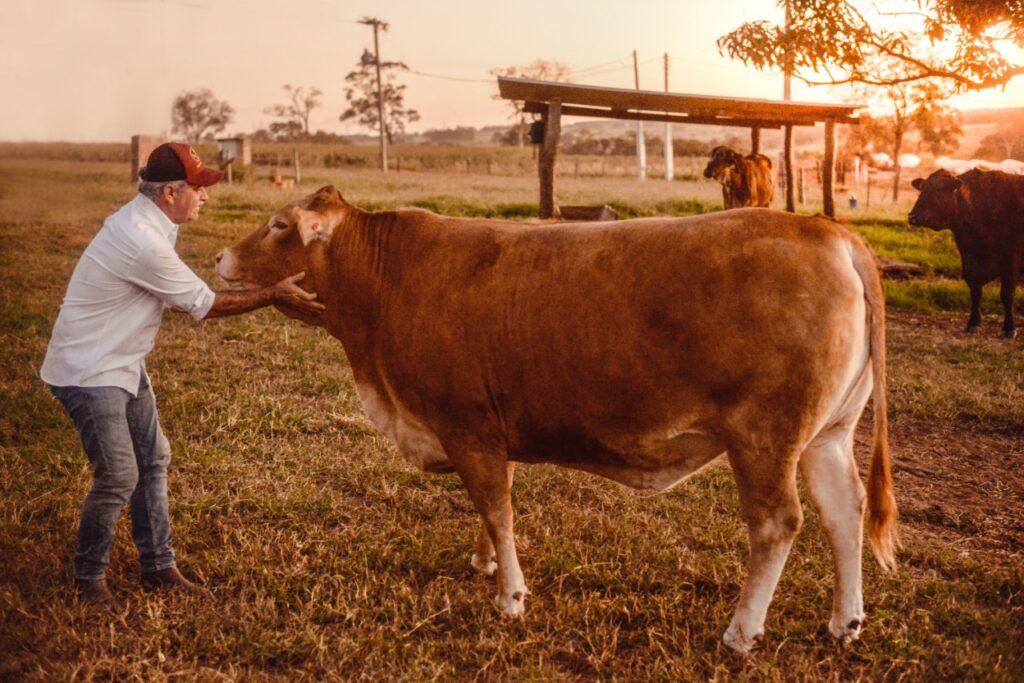 Ricardo Sechis da Beef Passion  mostra que o bem-estar animal é segredo de carne premium.