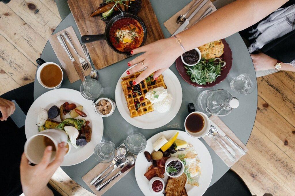 Para ter um restaurante mais saudável, você precisa fazer pequenas mudanças em sua estrutura.